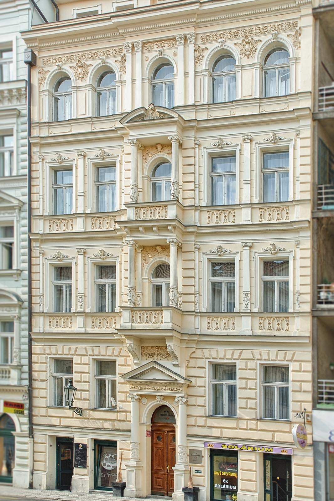 Spacious studio rent in Prague with high value